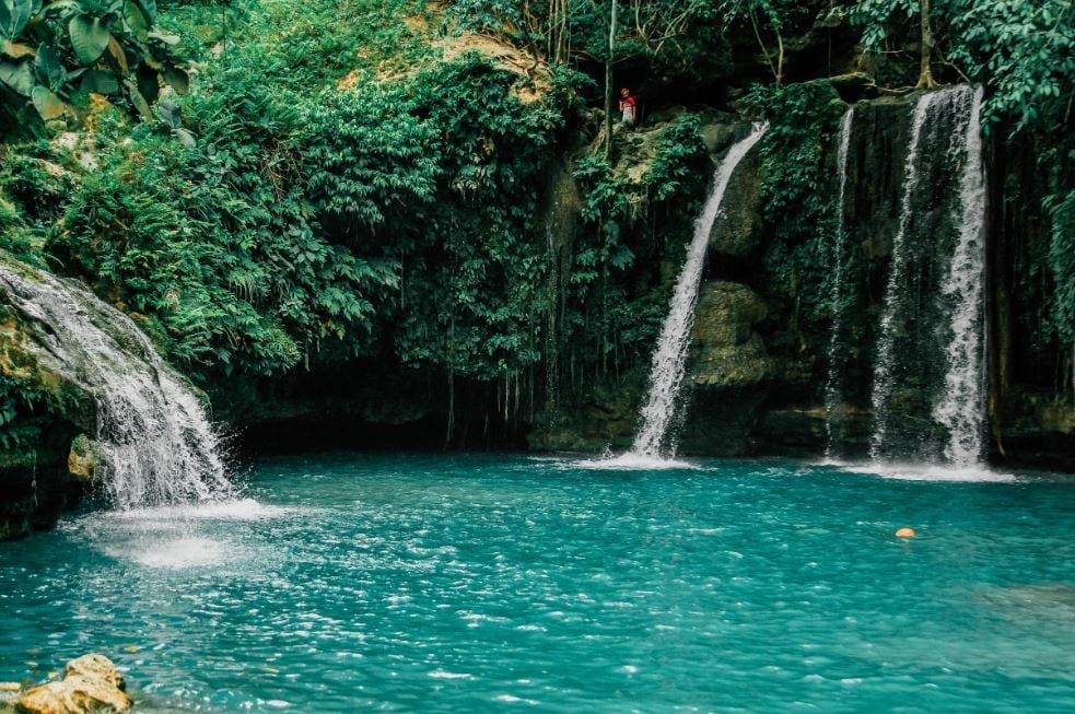 A Guide to Kawasan Falls, Philippines