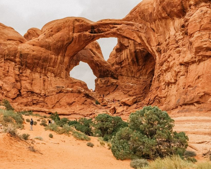 Arches National Park Hikes & Exploration in 1 Day